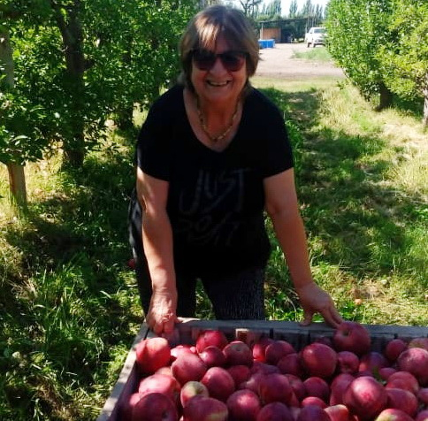 Veronica Stelzer productora de peras y manzanas